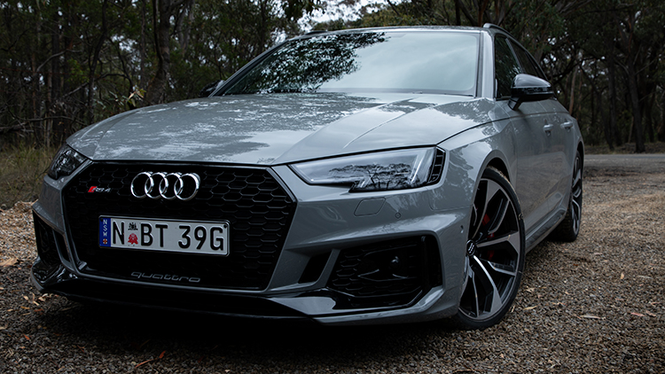 Front of the Audi RS4 Avant.