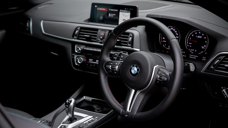 Steering wheel and dashboard of the BMW M2 Competition.