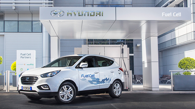 Hyundai ix35 Fuel Cell parked in front of NSW's only hydrogen filling station...at Hyundai's office in Sydney.